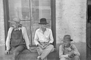 8-frank_tengle_bud_fields_and_floyd_burroughs_cotton_sharecroppers_hale_county_alabama1-600x399
