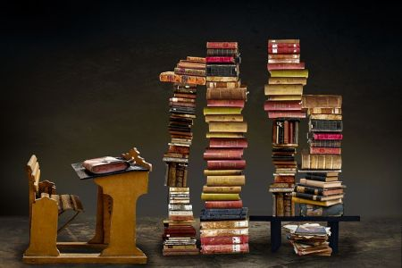 books-3322275__480