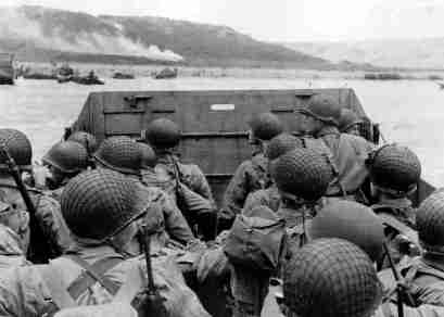 american-troops-approaching-omaha-beach-on-normandy-beach-d-day-world-war-ii_800